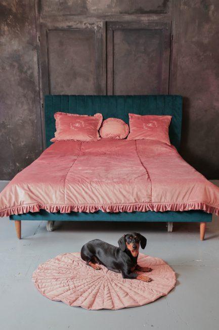 Párnák, ágytakarók, szőnyegek